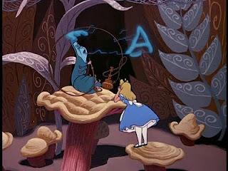 Alice e brucaliffo che la guida a trovare se stessa e sapere cosa volere