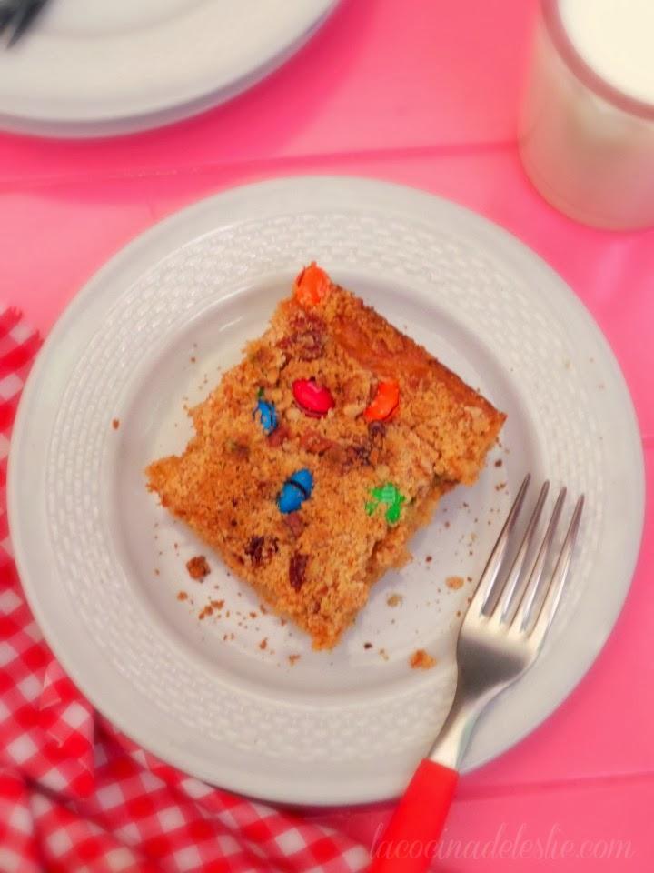 Peanut Butter Fun Snack Cake - lacocinadeleslie.com