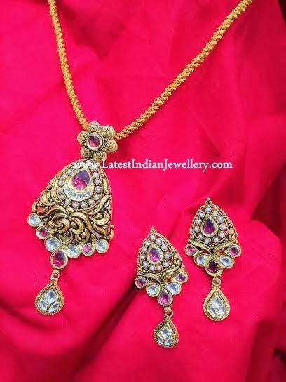 antique kundan pendant set