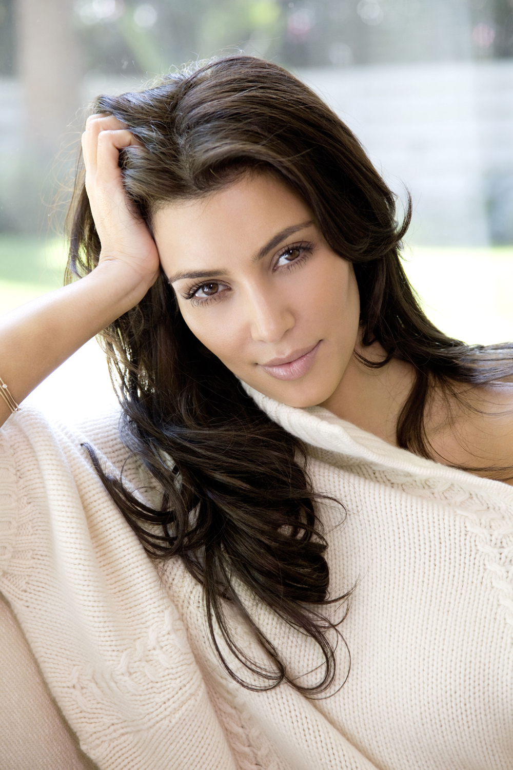 Kim Kardashian Hair Color 01