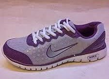 Tips Mencuci Sepatu Olahraga Wanita Nike