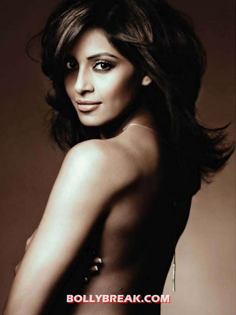 Bipasha basu Topless Nude Photo - (10) - Topless Bollywood Actresses Photos