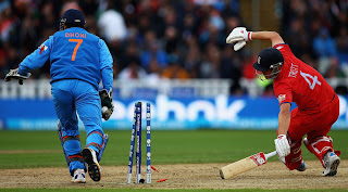 MS-Dhoni-stumps-Jonathan-Trott-India-vs-England-Champions-Trophy-2013