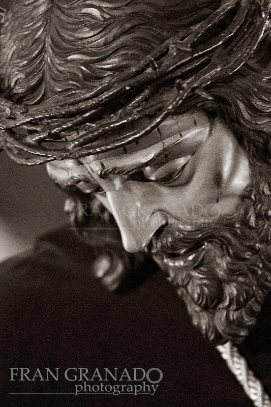 http://franciscogranadopatero35.blogspot.com/2014/05/el-cautivo-de-jesus-nazareno-en-arahal.html