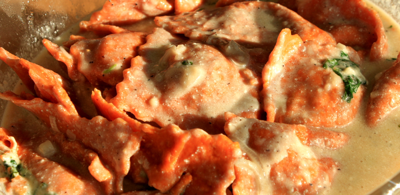 Mama Tommy's: Sun-dried Tomato Ravioli with Ricotta and Spinach ...