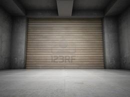 La trampa de quedar atrapado entre dos puertas metálicas de garage
