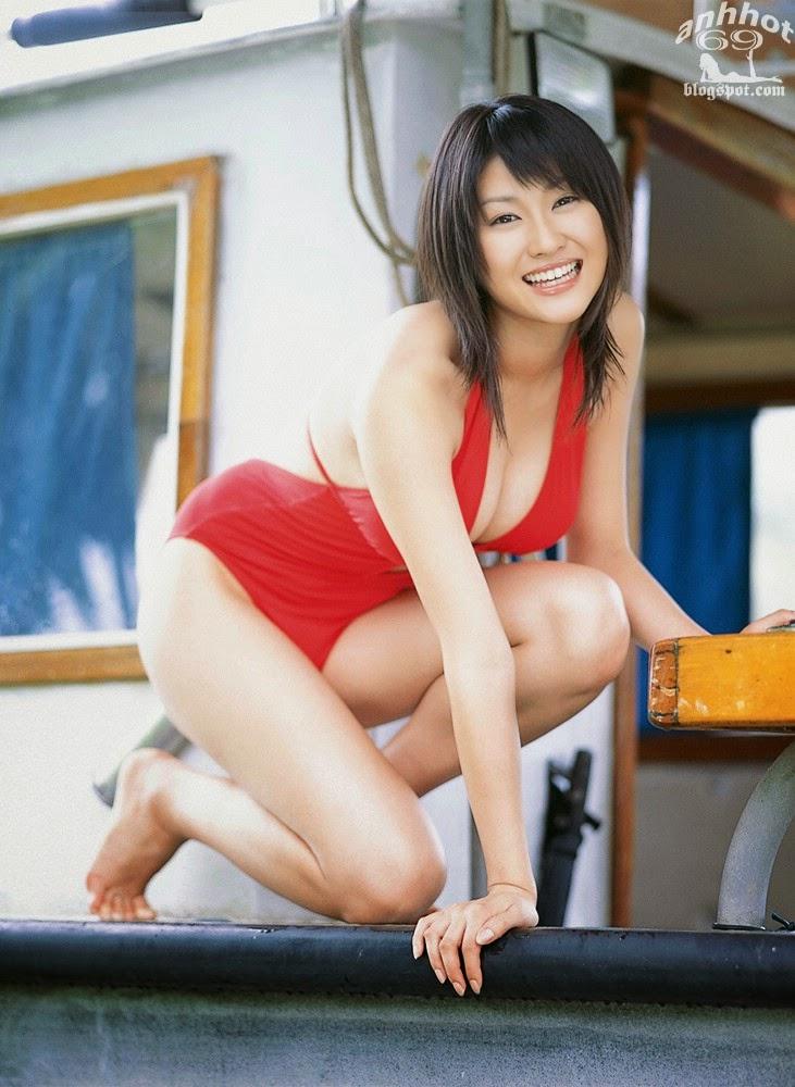 mikie-hara-b00398475