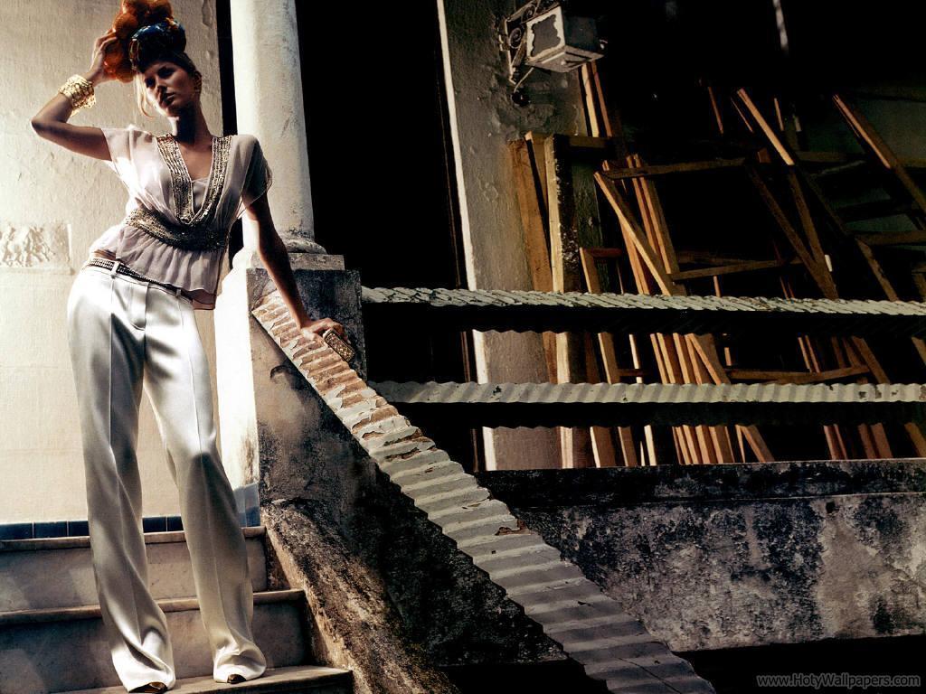 http://3.bp.blogspot.com/-JGdoC2wbdM4/TrK0dkEw46I/AAAAAAAAN6c/FFytcmLGRZ4/s1600/gisele_bundchen_fashion_model_wallpaper.JPG