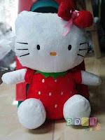 Boneka hello kitty strawberry