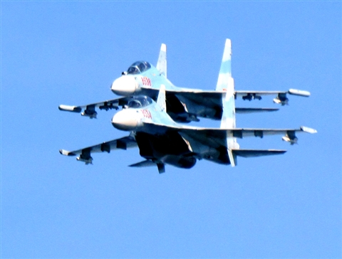 Su-30MK2 patrol the Spratlys