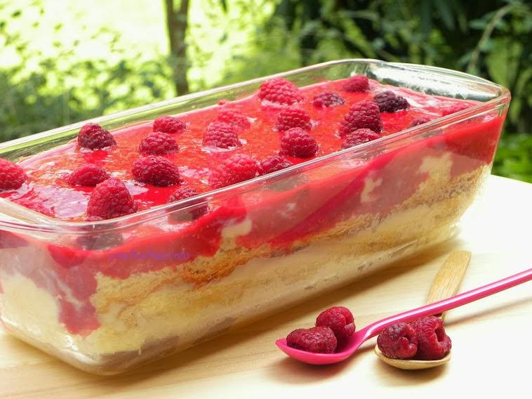Hojaldre de crema pastelera y frambuesa