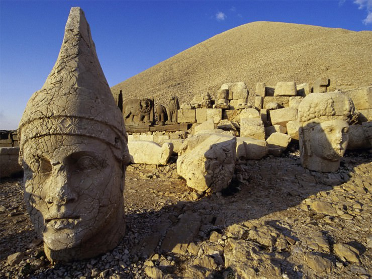 See The Ancient Statues Near The Royal Tomb On The Mount