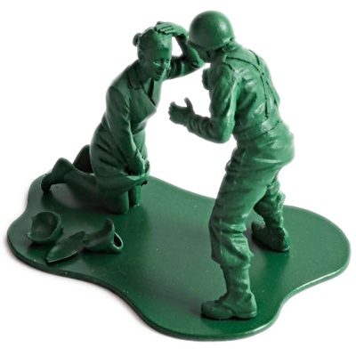 Plastik legetøjs soldat, overfald/voldtægt