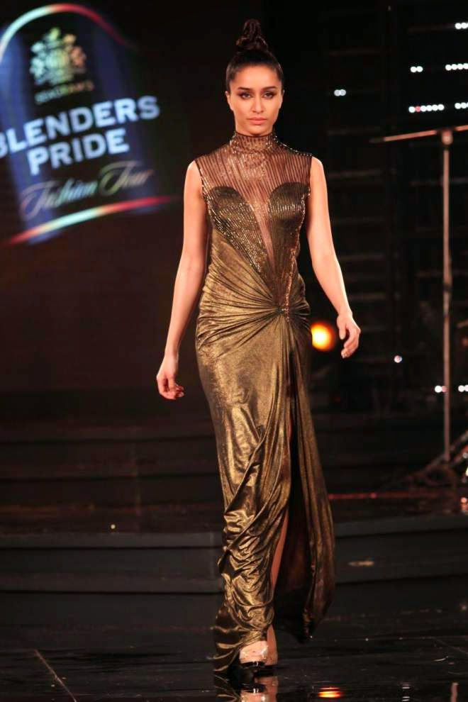 shraddha kapoor hot in gown pics