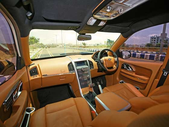 Automobile Trendz Mahindra Xuv500 Dc Lounge