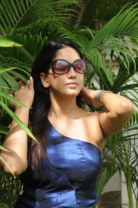 pavani reddy actress pics