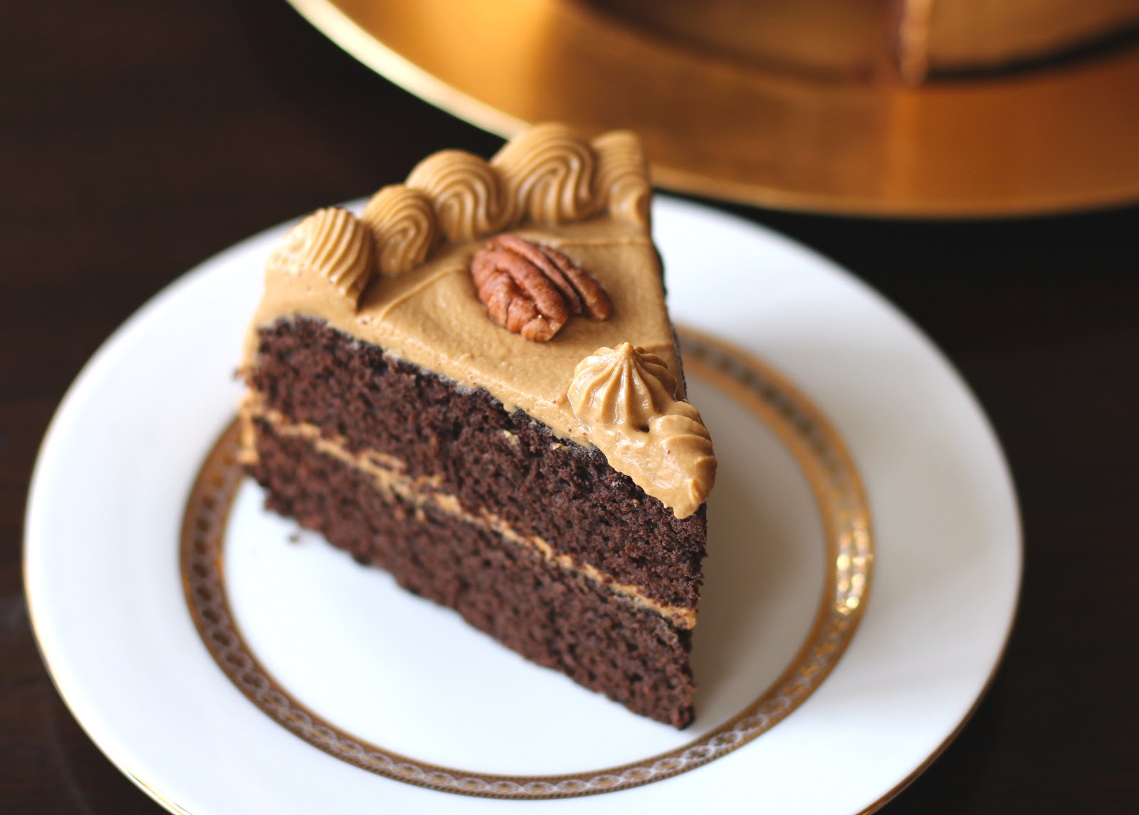 Healthy Chocolate Pear Layer Cake with Caramel Frosting (low fat, low ...