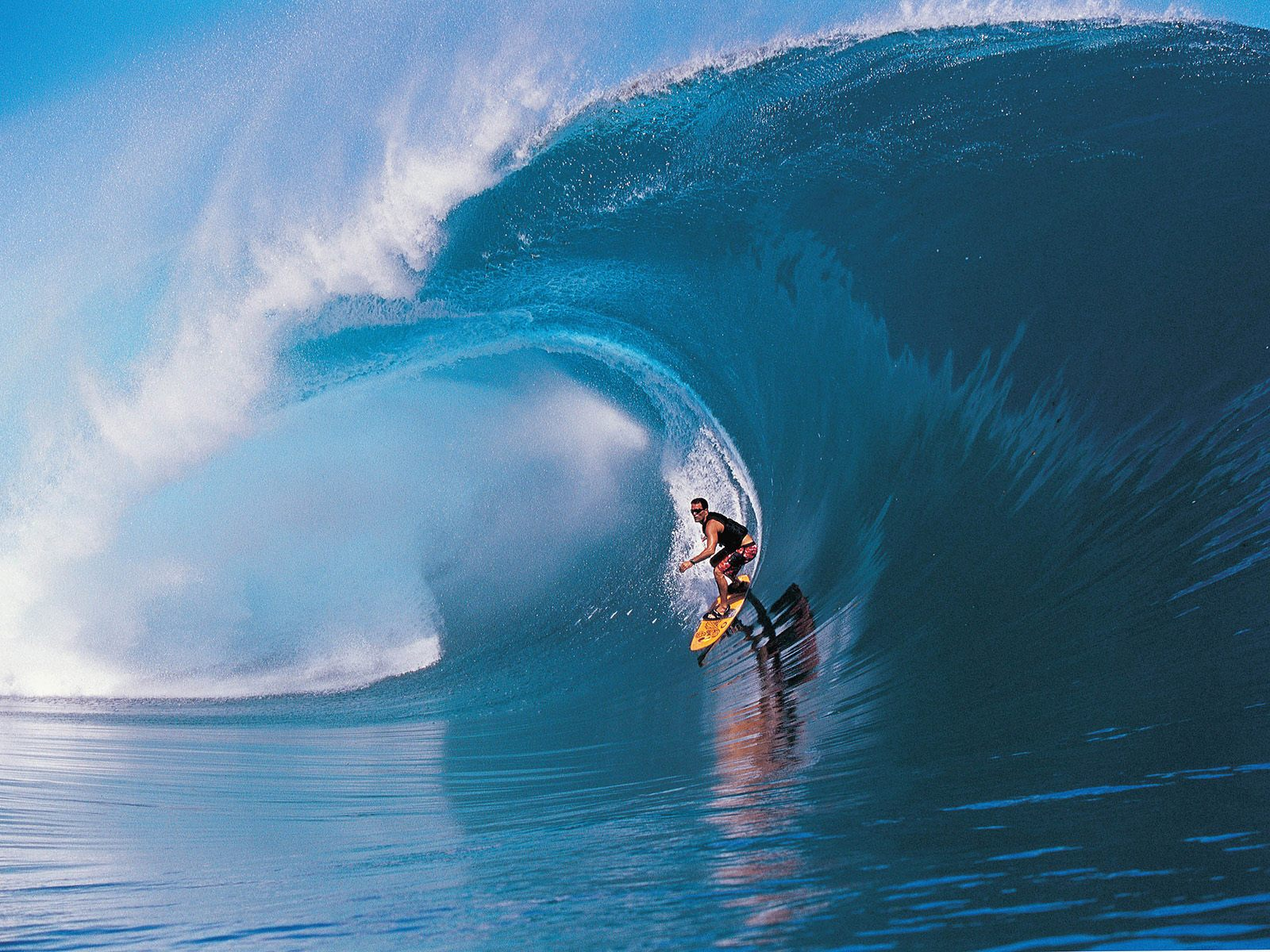 http://3.bp.blogspot.com/-JHikuS5BhEc/TZjqYZUKZSI/AAAAAAAAAZE/WLDcJxghCRE/s1600/Deportes-Surf1-387781.jpg