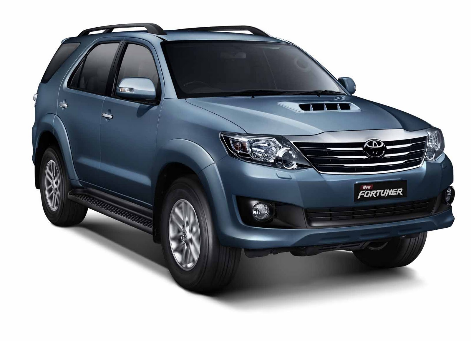 Toyota Fortuner 2WD MT Front Five Doors Picture View