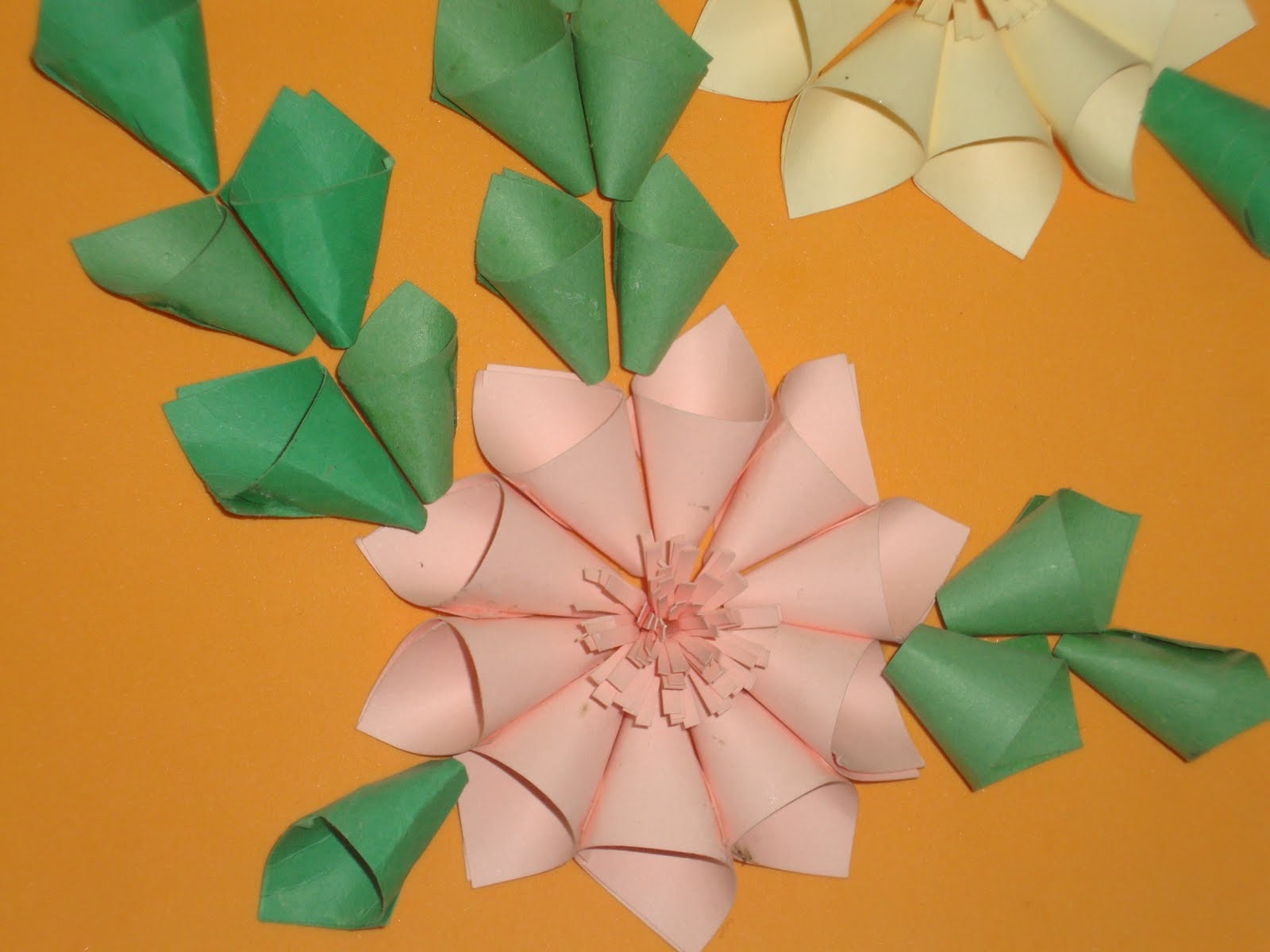 Neenus Handmade Crafts Paper Flower