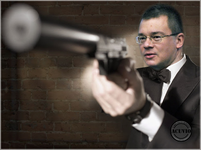 Funny photo Răzvan Ungureanu as James Bond
