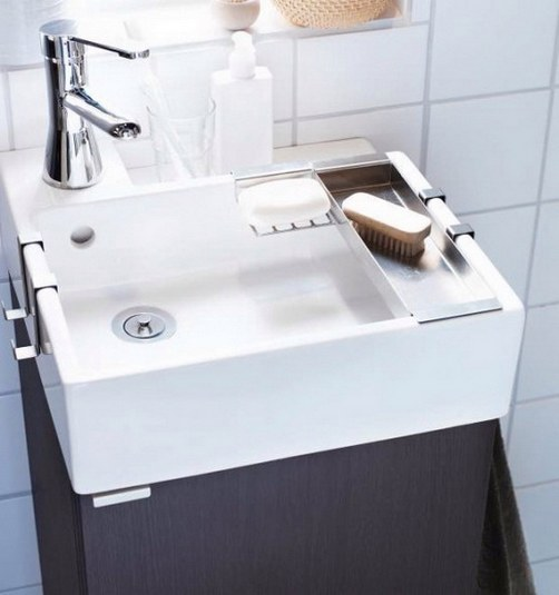 Lavadero De Baño Moderno: para acomodar los productos de aseo hechos de metal Bajo el lavadero
