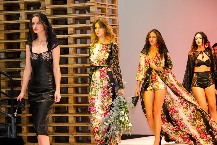 Final Desfile Sicilia SS2014 deVIRTUDES LANGA  - Leather, Lace, Floral Print
