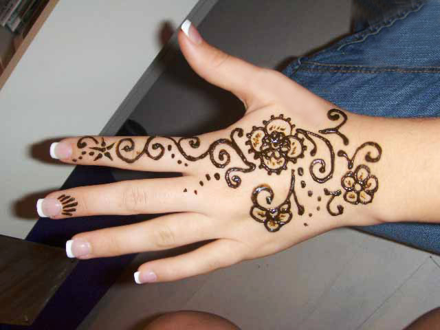 Hand Tattoos For Girls