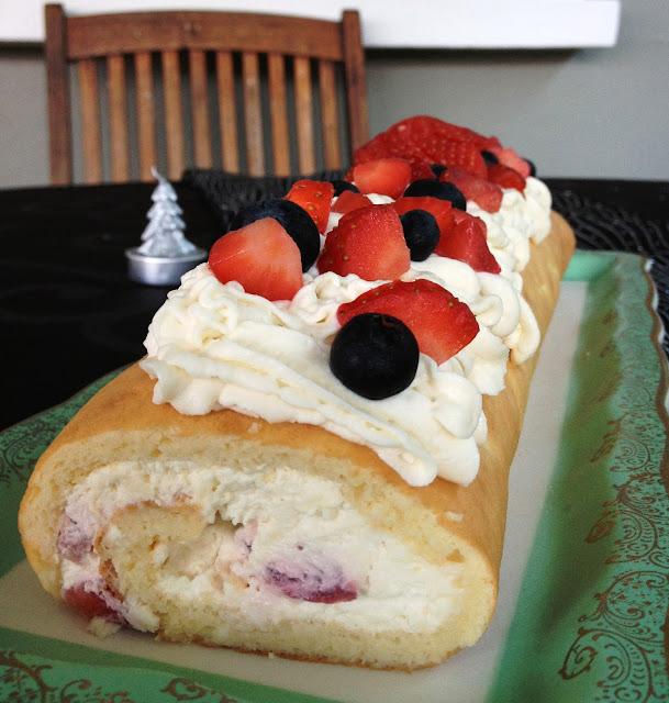 génoise, biscuit roulé, crème, vanille, mascarpone, fraises