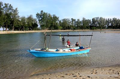 Kanak-kanak dan bot