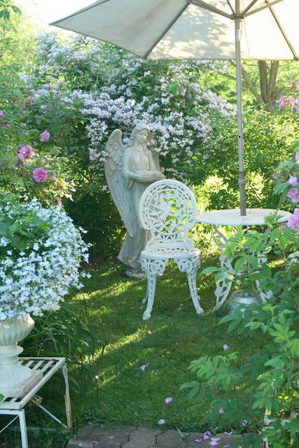 Aiken House Gardens Romantic Rose Garden