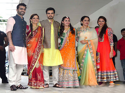 Esha Deol with Bharat in Mehendi Ceremony