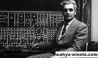 Dr. Robert Arthur Moog atau Bob Moog