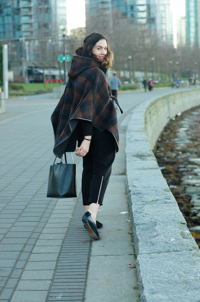 Coach blanket cape coat outfit blogger