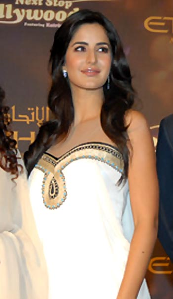katrina kaif in white dress1 - katrina kaif angelic beauty in white dress