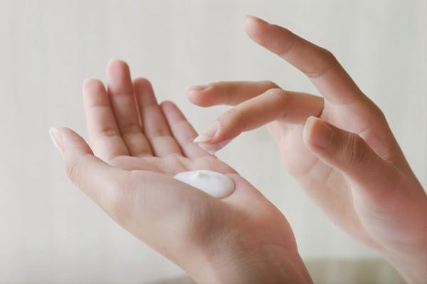 Cách chăm sóc da nhờn trong mùa hè nóng nực