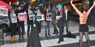 Perempuan Iran demo bugil menentang jilbab