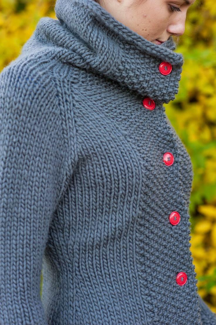 recznie wydziergany sweter