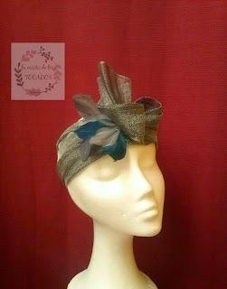 turbante realizado para madrina, en colores plata y azul, hecho a mano
