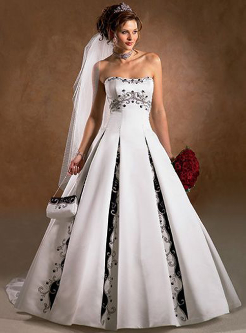 black and Bwhite wedding dress beautiful