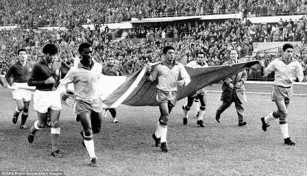 2. 0' 16' (Vaclav Masek) - Mexico vs. Czechoslovakia (1962)