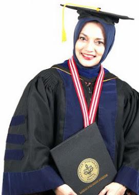 Dr. Hj. Marissa Grace Haque Fawzi, SH, MHum, MBA, Wisuda S3 IPB