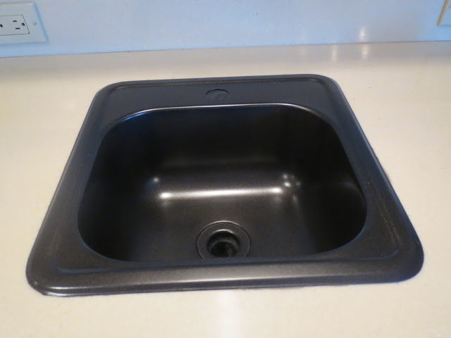 et voila new sink and i don 39 t know if you can tell from this picture
