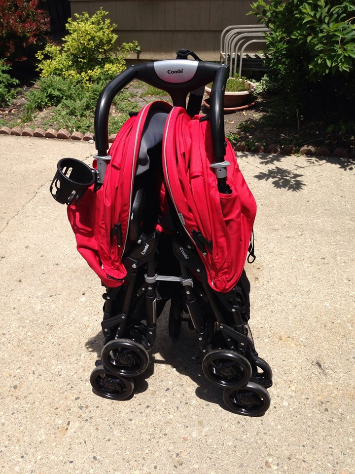 Crazy House Reviews: Combi Twin Cosmo Double Stroller Review