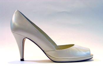 Modernos zapatos de novia de nuria cobo 2011 2012 peinados para fiesta juegos de peluqueria y - Zapatos nuria cobo ...