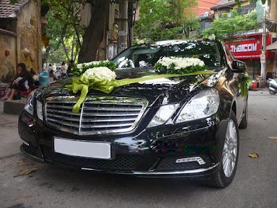 cho thuê xe cưới MercedesE300 giá rẻ tại hà nội