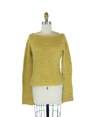 1970s Mustard Yellow Basket Weave Knit Bell Bottom Sleeve Sweater / Marlie Sweater (S) Listing Stats