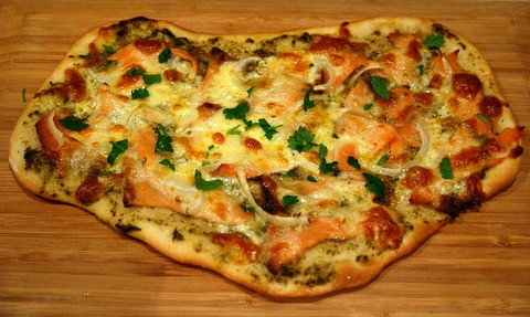 Salmon and onion pizza