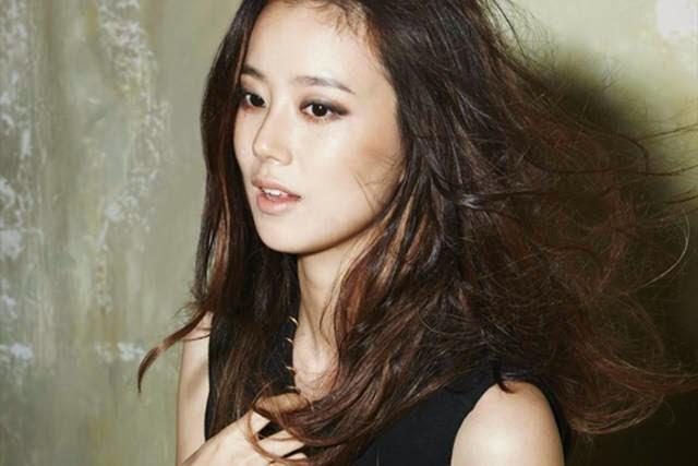 Moon Chae-won photo 004