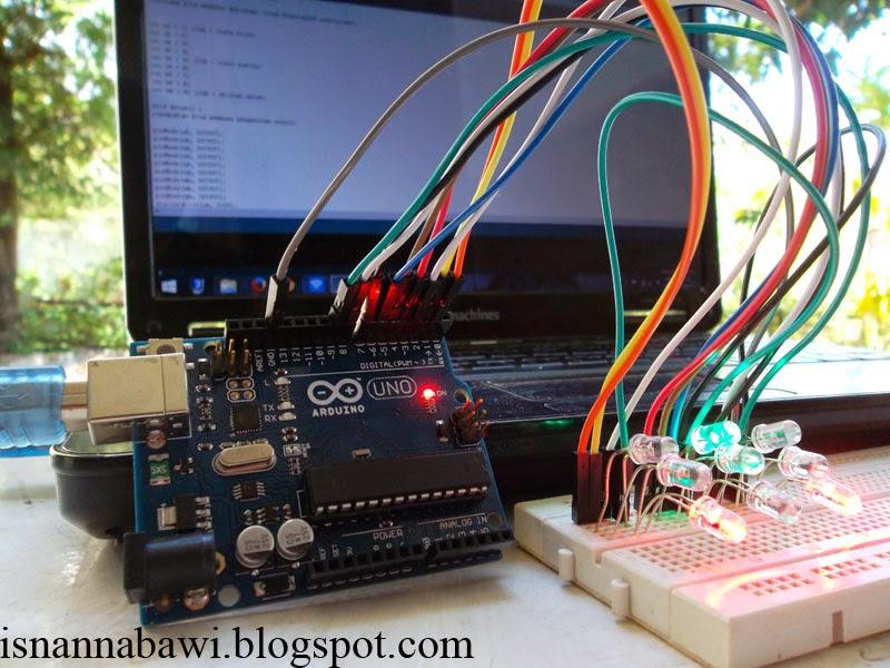 Membuat lampu lalu lintas mudah menggunakan arduino